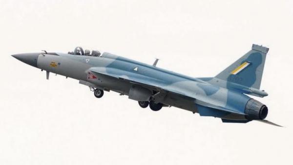 """瑞典""""鹰狮E""""战斗机首飞 将成中国""""枭龙""""最大竞争对手"""