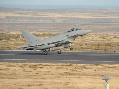 英方对阿根廷驻英代表称会坚定不移保卫马岛