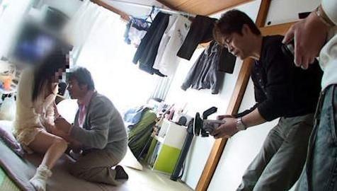 日本男优现状:女优过万男优70