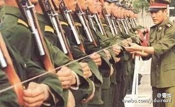 为什么解放军的正步特别好看?