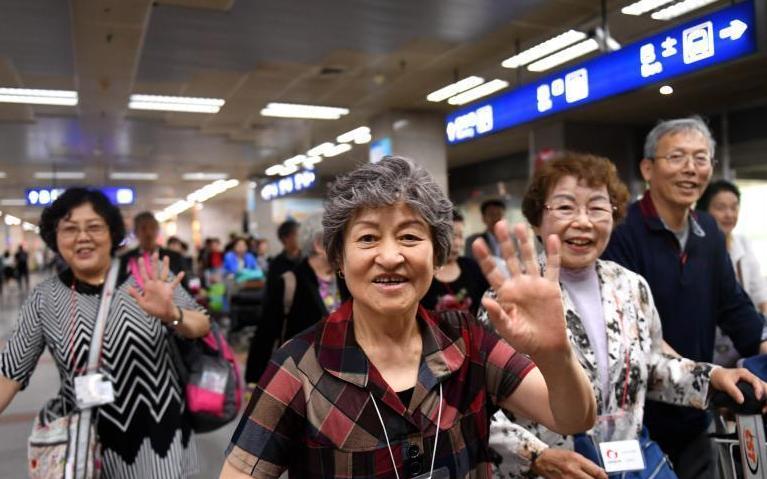 日本最大规模遗孤代表团赴中国感恩养父母