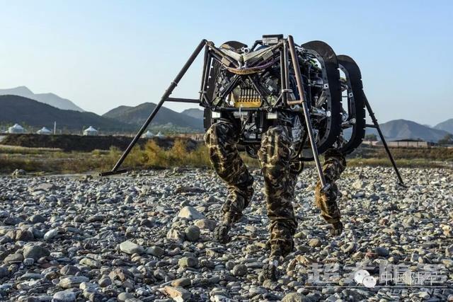 解放军无人系统大赛:中国机器狗水平与美国相当,还要造机器牦牛