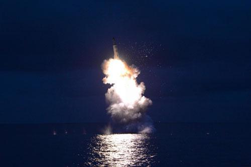 日本拟演练导弹来袭时民众疏散:10分钟进庇护所