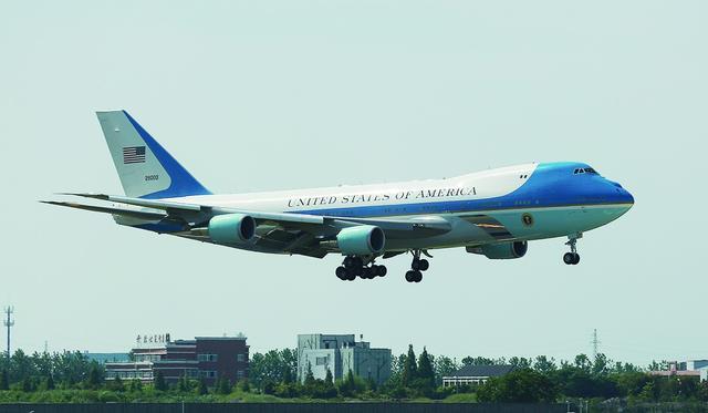 美国空军一号为何要花40亿:飞一小时就花20万