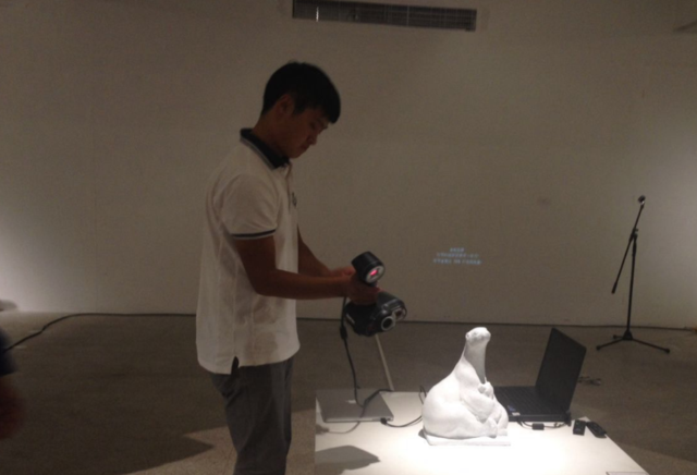 聚焦动物保护:田信峰雕塑展在京举行