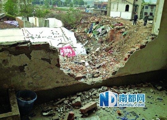 湖南记者遇强拆全家人被拘禁 三次报警均遭拒