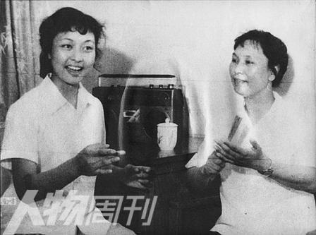 """彭丽媛生活细节遭曝光:与丈夫长期""""异地恋"""""""