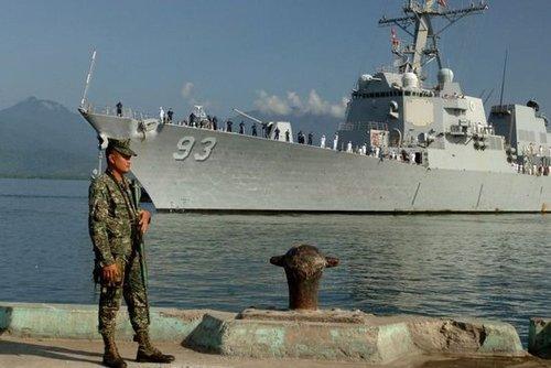 菲律宾外长称可能允许更多美国飞机军舰进驻