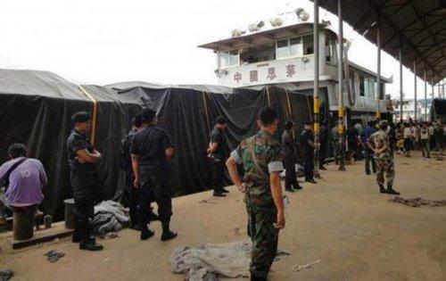 中国船员遭劫杀 泰国警方在湄公河中捞起11具遗体