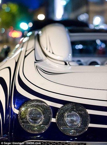 世界首辆陶瓷版跑车现身巴黎引围观