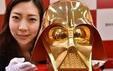 日本打造纯金星战面具 重30斤价值百万美元