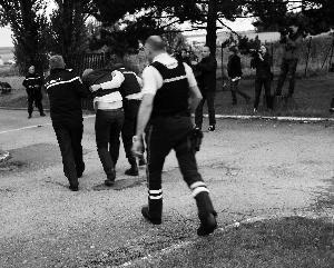 法国吉卜赛人露营地爆枪击案 嫌犯疑似醉酒杀4人