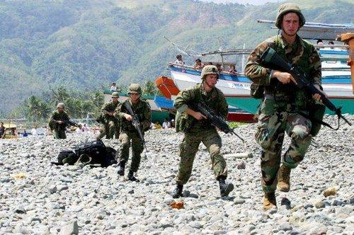 菲美16日起举行军演 菲称与黄岩岛对峙事件无关