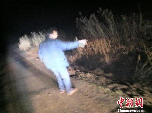 组图:江苏发生重大校车事故 受伤学生送医救治