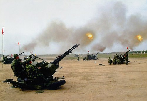 上海预备高炮师弹炮结合击落大量高速靶机