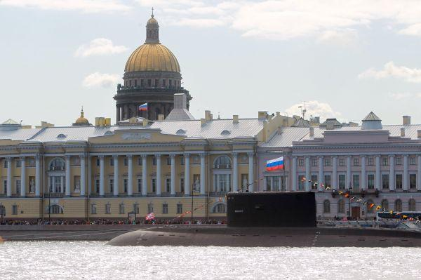 """外媒:俄两艘潜艇在地中海""""神出鬼没""""令北约重要"""