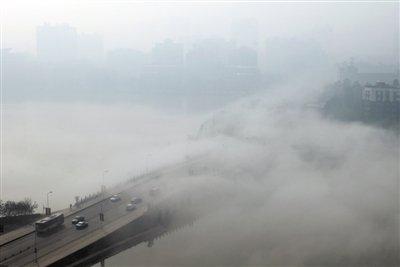 京津冀被深褐色雾霾覆盖 污染已扩至沿海地区