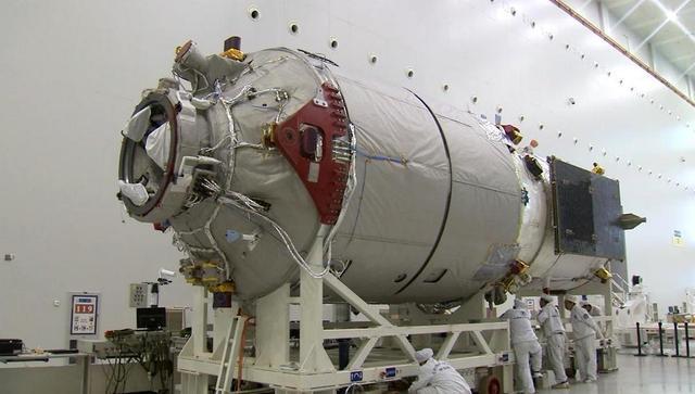 天舟1号顺利完成与天宫2号自主快速交会对接试验