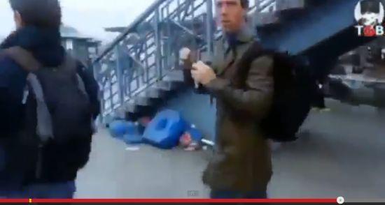 美国海军土耳其度假被围殴 遭塑料袋套头(图)