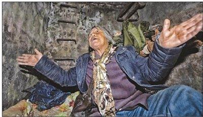 老人住在地下管道20年不愿回家 梦想回家盖小房_新闻_腾讯网 - 自由百姓 - 我的博客