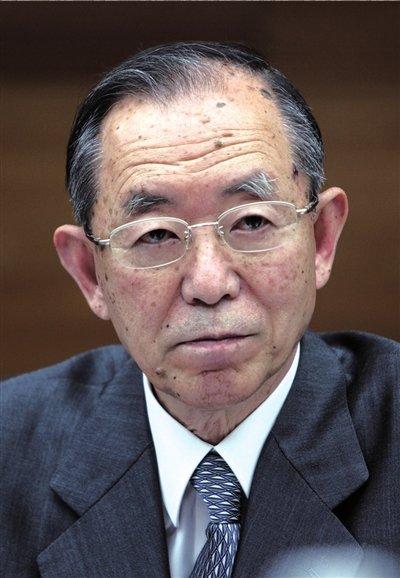 外交部称正在调查日驻华大使座车国旗被抢事件