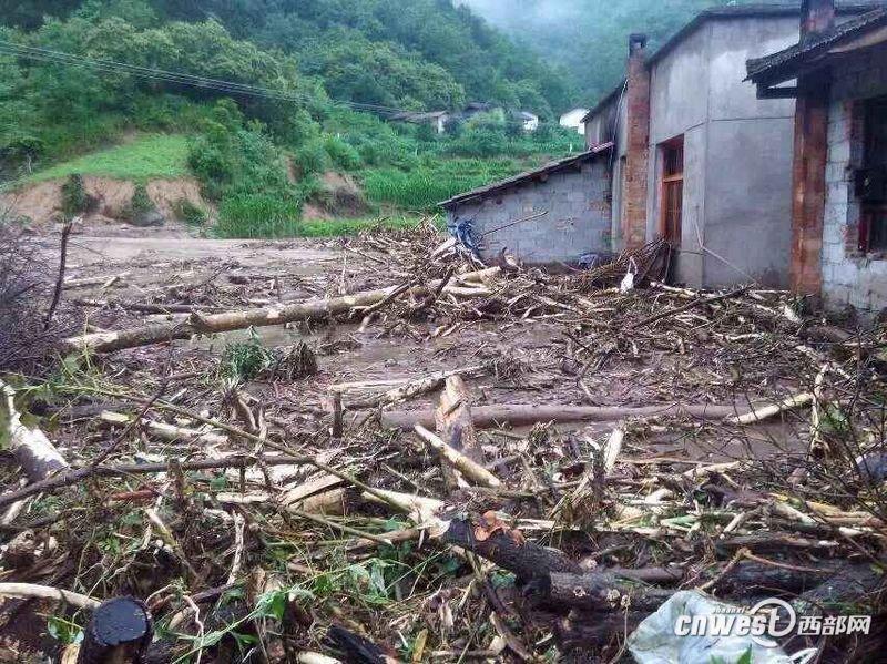 陕西多地遭遇洪灾 已致4人死亡13人失踪2015.7.1 - fpdlgswmx - fpdlgswmx的博客