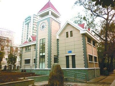 武汉一公厕像别墅 城管称可展示城市形象(图)