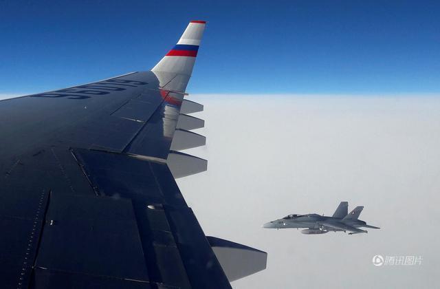英媒称普京总统专机遭3架瑞士战机包围 乘客紧张(图)