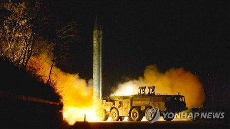 韩媒:朝鲜今晨发射3枚弹道导弹