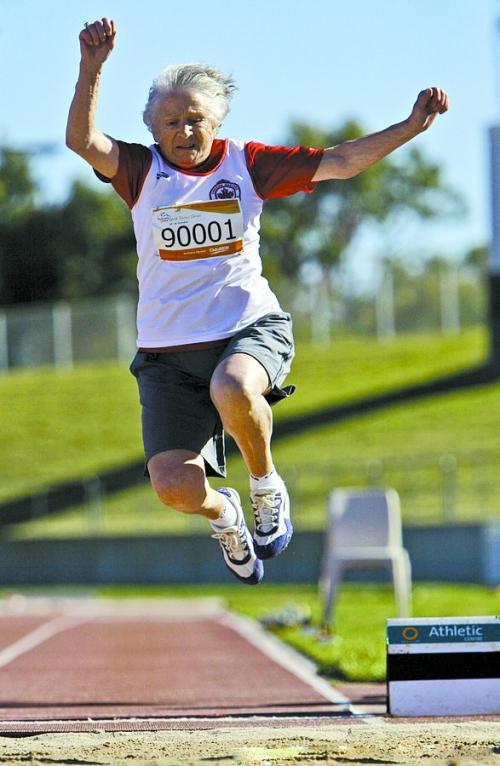 加拿大95岁老人成运动健将 拥30多项世界纪录