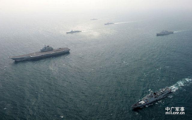 专家谈中国建造航母数量:两艘不够 三艘及格