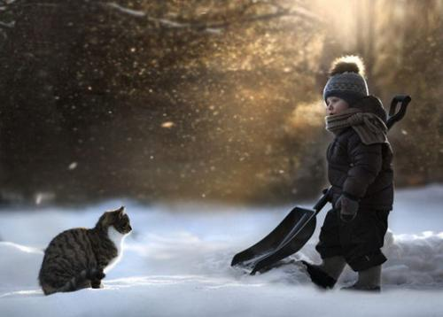 孩子与动物的纯真画面,俄罗斯女摄影师记录儿子成长瞬间。