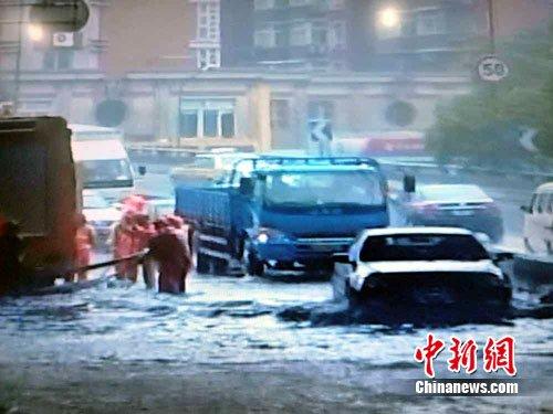 南京再迎暴雨 部分地区出现内涝(图)