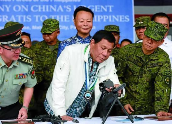 菲律宾国防部就误用台湾标志致歉 称严守一个中国政策