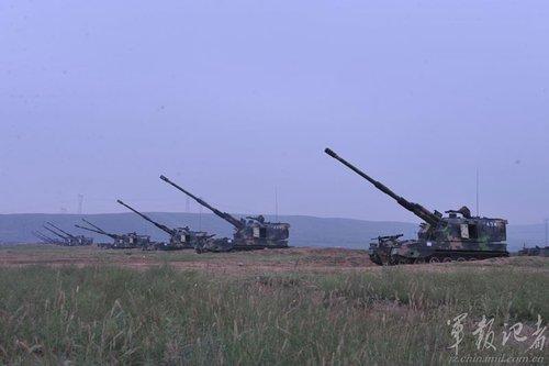 北京军区炮兵参谋信息化转型 打击速度提升7秒