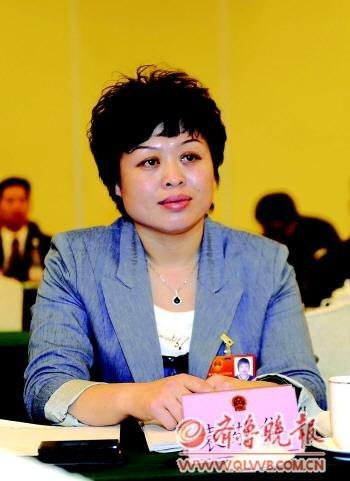 委员:应禁中华、中南海、熊猫等作香烟商标