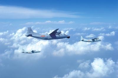 空警500预警机首登场 主要承担空中巡逻任务