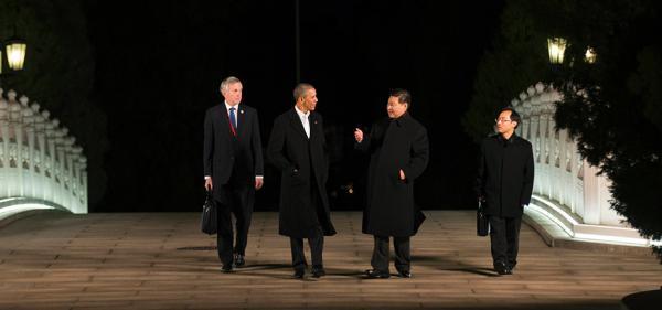 习近平同奥巴马在中南海会晤 瀛台桥上散步