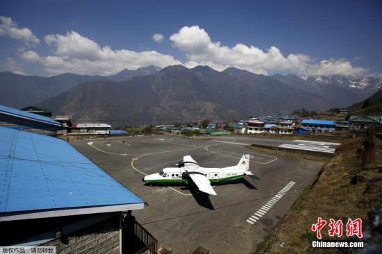尼泊尔民航部长证实失踪客机坠毁 找到残骸