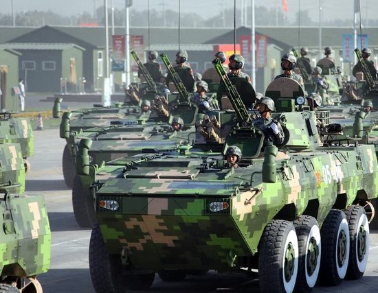 重庆新型装甲车试验车肇事 造成4人死亡(图)