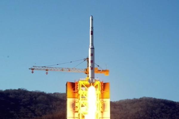 朝鲜庆祝发射光明星4号 称未出现0.001毫米误差