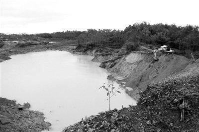 广西非法采矿湖淹死学生 官方称整治难度大(图)