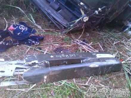 遭到果敢军打击的缅军车队。
