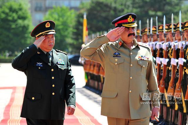 """中国陆军司令外事""""首秀""""给了巴基斯坦"""
