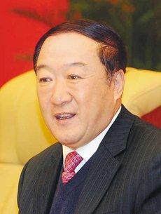 苏荣当选全国政协副主席