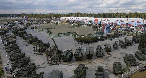 俄媒称国际军事比赛开幕 中国与18国同场竞技|代表队