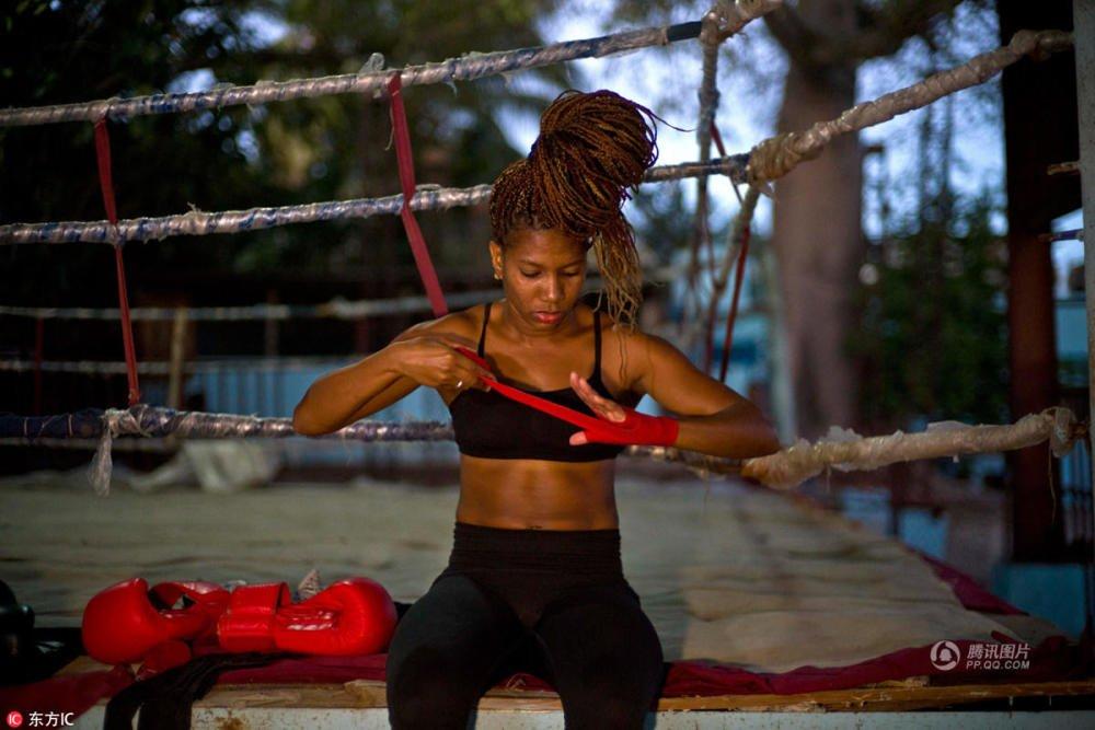 古巴女拳手遭性别歧视 苦练梦想登奥运擂台