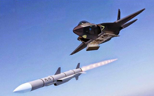 美媒称中国试射歼20专用导弹 用歼16当发射平
