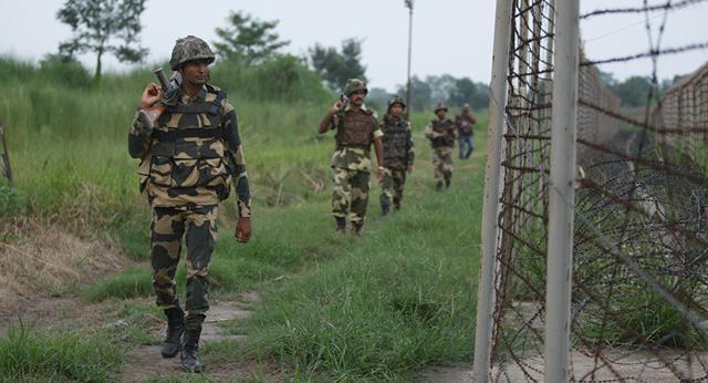 巴印军队再度发生交火 频繁交火引发民众恐慌