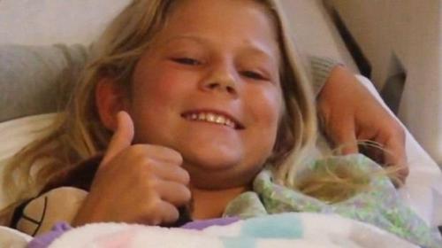美10岁女孩遭鲨鱼袭击重回海中勇救小伙伴(图)